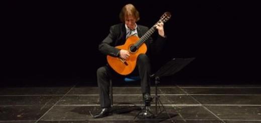 توصیههای دیوید راسل به گیتاریستها (۵) 3