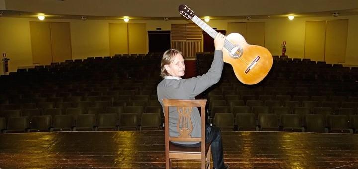توصیههای دیوید راسل به گیتاریستها (۶) 12